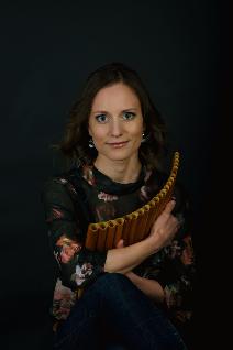 Elisabeth Niggl - Panflötistin